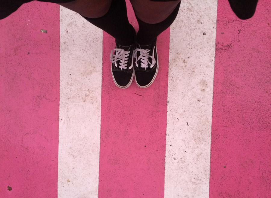 Pink Street, populaire uitgaansstraat in Lissabon
