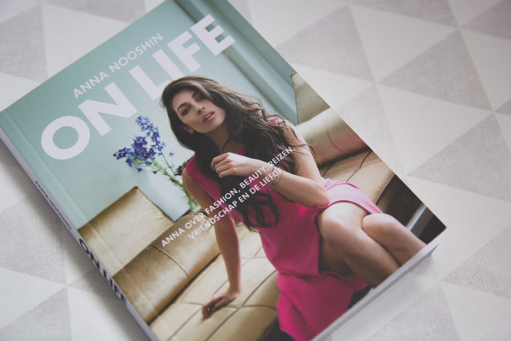 Anna Nooshin On life, Anna Nooshin, On Life, boek, review, boekreview